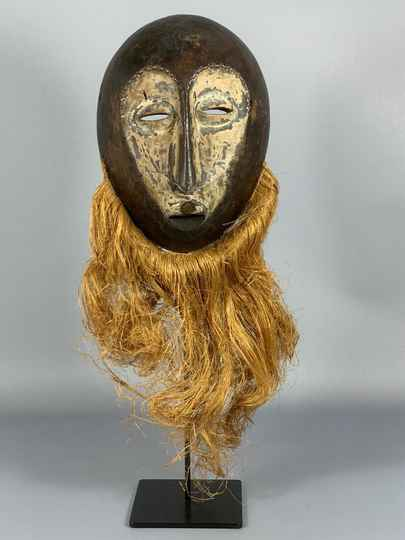 191001 - Old Tribal used African mask from the Lega Bwami - Congo.