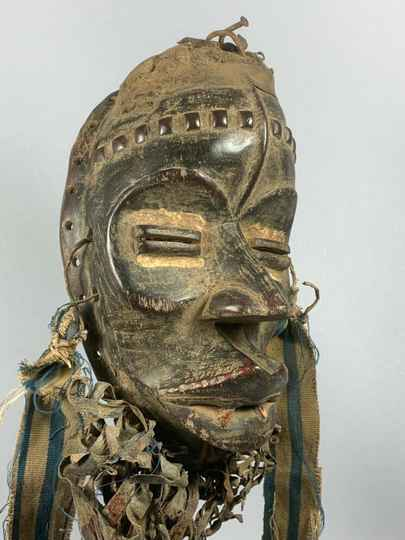 200457 - Old tribal used African We Guere mask - Liberia.
