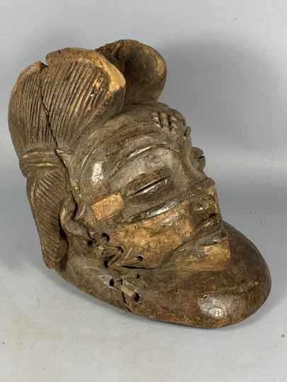 200933 - Tribal used Old African female mask from the Punu - Gabon.