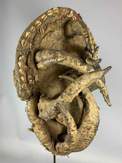 201013 - Old and Rare Tribal used African Old Gle Bete horn mask - Iv. Coast.