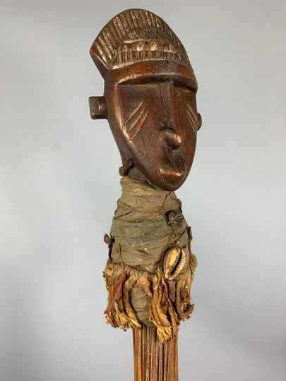 201219 - Old Tribal used African Dogon broom with head - Mali.