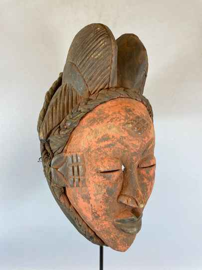 210422 - Tribal used Old African female mask from the Punu with Cap - Gabon.