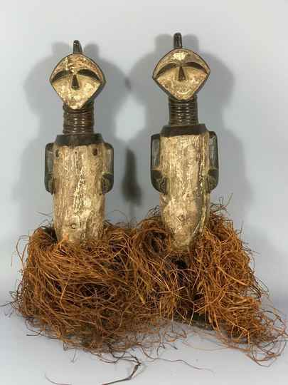 181108 - Tribal used Old African couple Ambete statues - Congo.