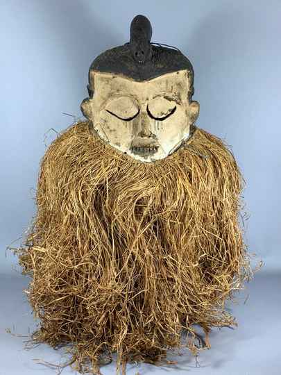 200859 - Very Large Old Tribal used Rare African Suku mask - Congo.