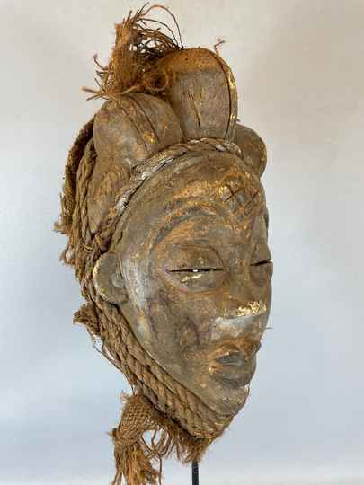 210425 - Tribal used Old African female mask from the Punu - Gabon.