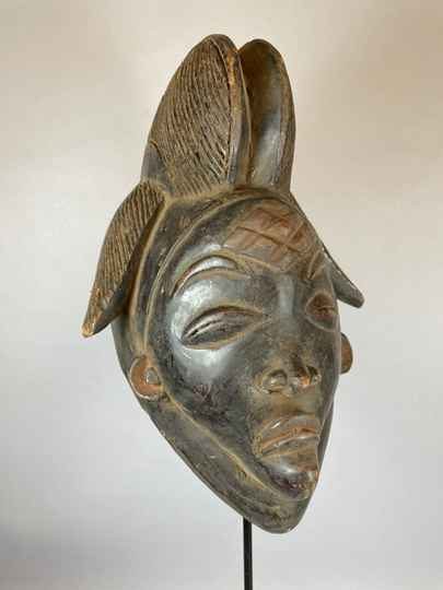 210641 - Tribal used Old African female black mask from the Punu - Gabon.