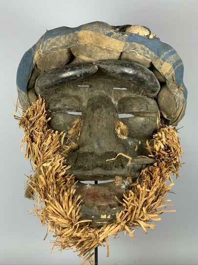 191003 - Old tribal used African We Guere mask - Iv. Coast.