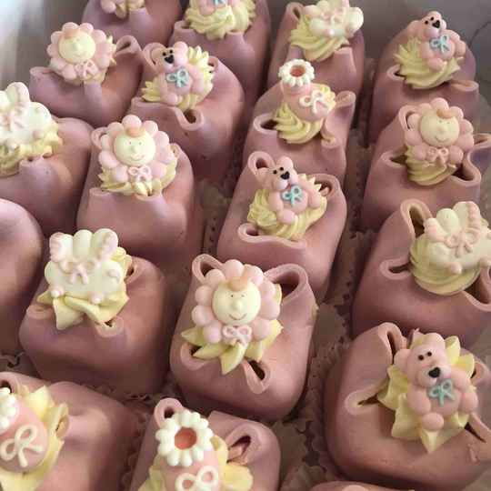 Baby Petits Fours