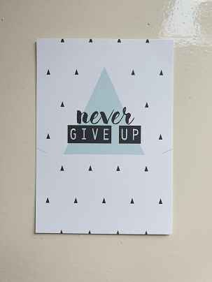 Kaart - Never Give Up