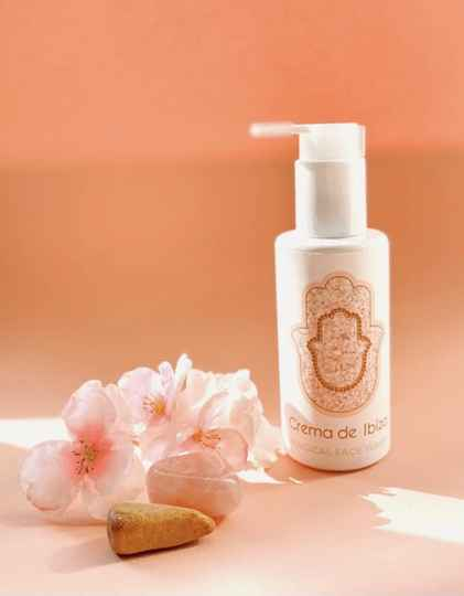 """Magical face wash """" skin-loving face cleanser """""""