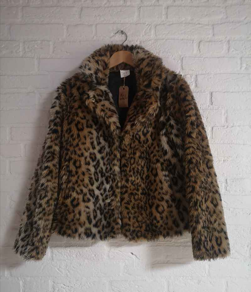 Fake fur panterprint jas