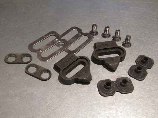 VP ( 81 ) C-05 PEDAL CLEAT SET NOS! BXC00J26 0995 - 19/1/21 RK05