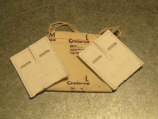 Cadence leather dual toe-strap buckle pads white NOS! BB31CE 3333 - 10/20/21 RK04
