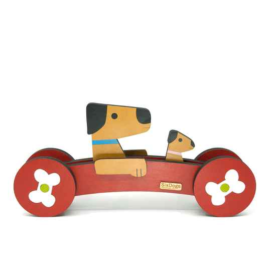 XL Dogs First-Car Rood