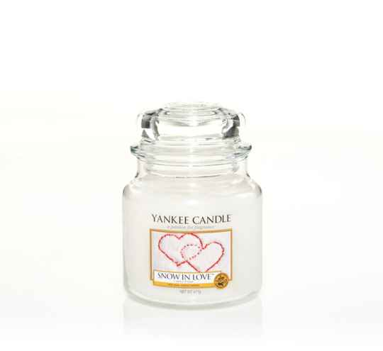 Yankee Candle Medium Jar Snow in Love