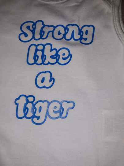 Rompertje strong like a tiger